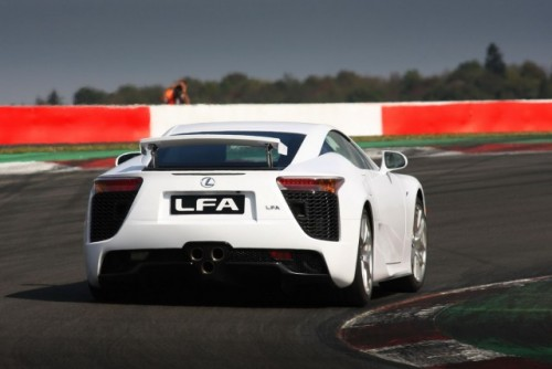 Noul Lexus LF-A, killer de Ferrari16415