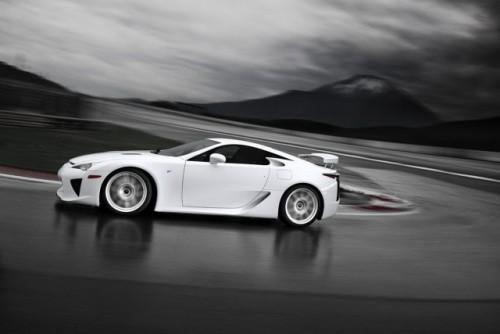 Noul Lexus LF-A, killer de Ferrari16428