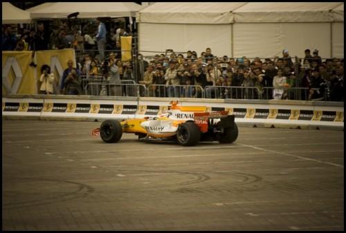 Galerie Foto: Renault F1 Roadshow la Bucuresti15971