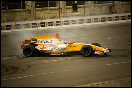 Galerie Foto: Renault F1 Roadshow la Bucuresti15977