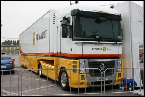 Galerie Foto: Renault F1 Roadshow la Bucuresti16061