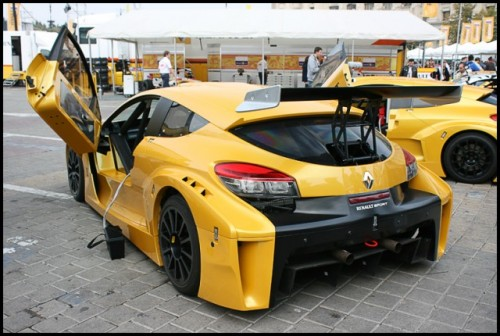 Galerie Foto: Renault F1 Roadshow la Bucuresti16071