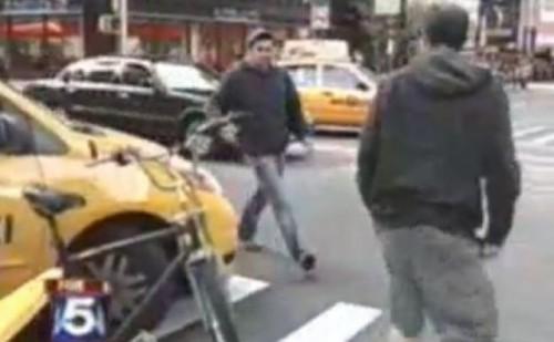 VIDEO: Soferii din New York se bat in intersectii din centrul orasului15934