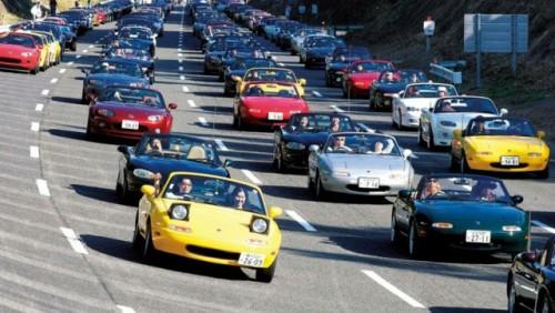 Parada cu 1.600 Mazda MX-515681