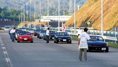 Parada cu 1.600 Mazda MX-515683