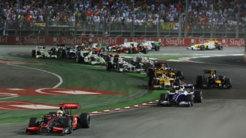 Hamilton a castigat la Singapore15550
