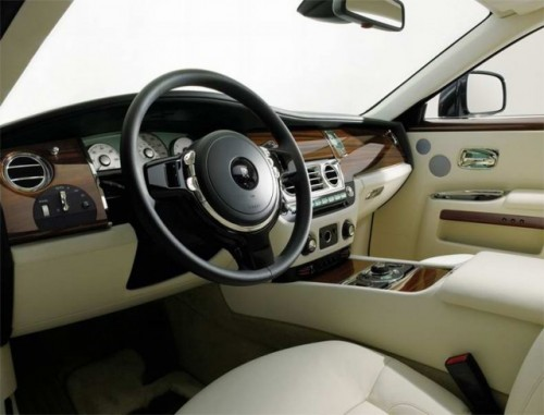 VIDEO: Rolls Royce Ghost isi dezveleste formele la Frankfurt15258
