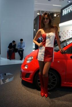 Frankfurt LIVE: Fetele de la salonul auto15099