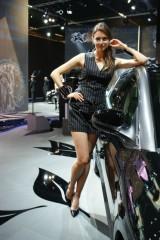 Frankfurt LIVE: Fetele de la salonul auto15239