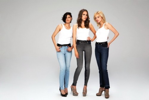 MiTo vinde haine pentru femei in scopuri caritabile14077