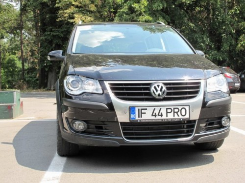 Drive-test  VW Touran Trendline si Touran Cross13906