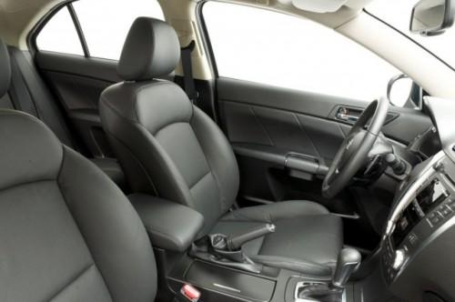 Suzuki prezinta noul Kizashi13226