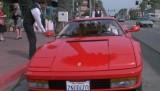 Ferrari Testarossa, atractie pentru femei13056