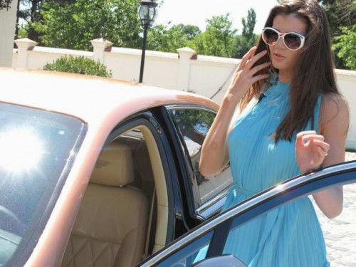 EXCLUSIV: Vedete si masini- Monica Columbeanu13008