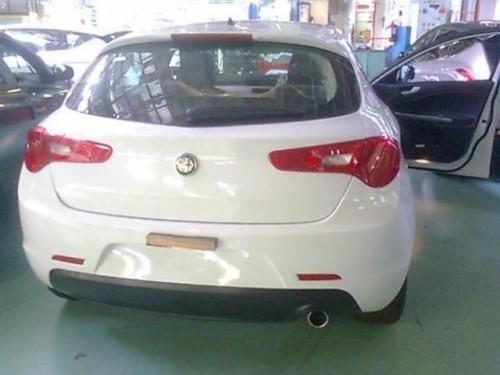 Alfa Romeo Milano, un Opel Astra clonat?12747