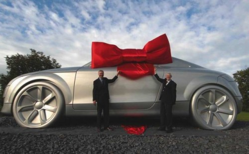 VIDEO: Audi TT de 10 tone!12719