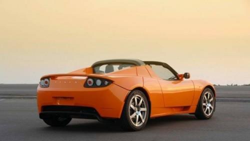 Daimler vinde 4% din actiunile Tesla!12704