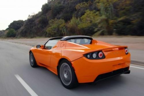 Daimler vinde 4% din actiunile Tesla!12706