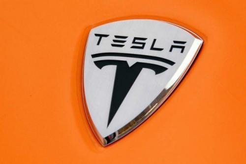 Daimler vinde 4% din actiunile Tesla!12711