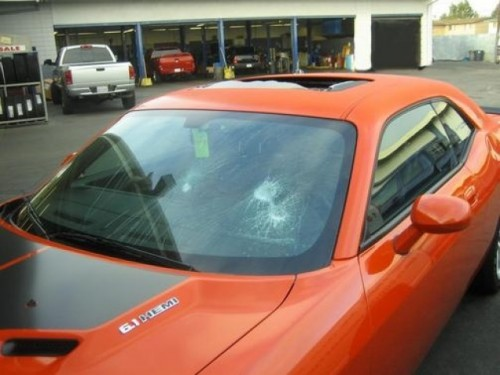 Challenger SRT8 distrus cu ciocanul12514