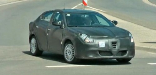 VIDEO: Viitorul Alfa Romeo Milano, spionat in teste12366