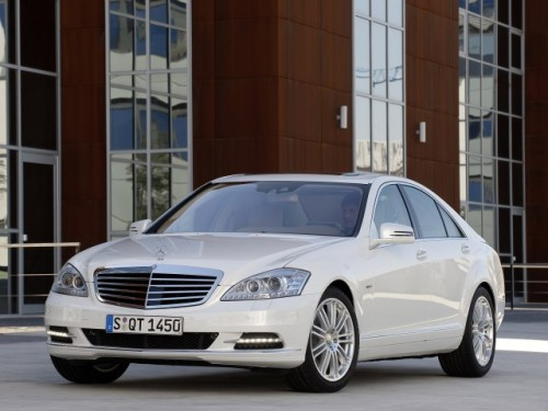 Daimler a lansat primul model german hibrid12330
