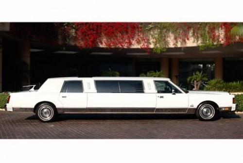 Michael Jackson a lasat in urma sa o colectie impresionanta de masini12245