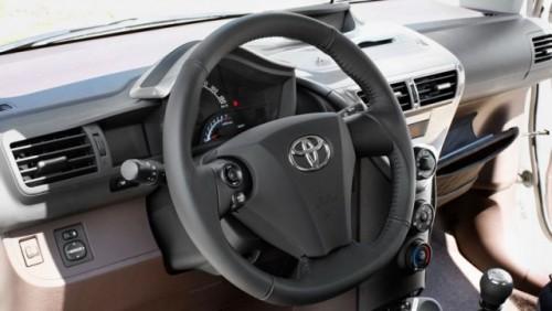 Toyota lanseaza IQ Dual VVT-i de 1,3 litri12057
