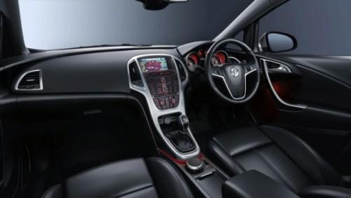 Primele poze oficiale cu interiorul noului Astra12048