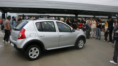 Dacia Sandero Stepway, in Romania de la 9.200 euro cu TVA12015