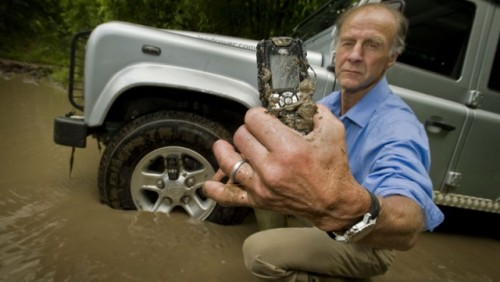 Land Rover intra pe piata telefoanelor mobile12007