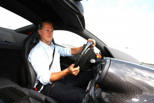 Schumacher a revenit pe circuit la bordul unui Ferrari 599 GTB HGTE11941