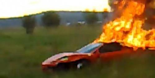 Un Ferrari F430 a luat foc langa Sibiu11730