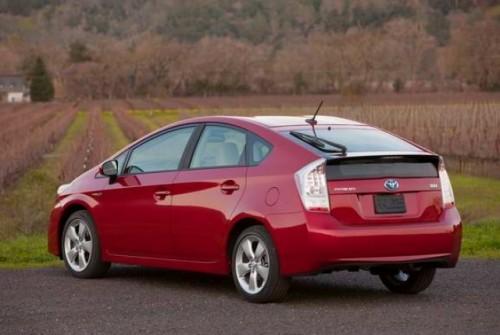 Toyota creste productia lui Prius11612