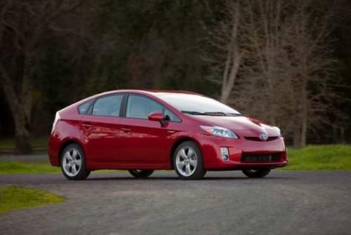 Toyota creste productia lui Prius11617