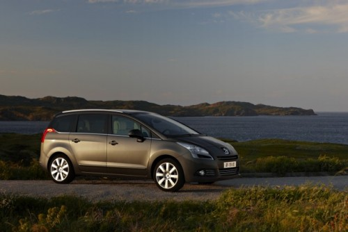 Premiera: Iata noul Peugeot 5008!11590