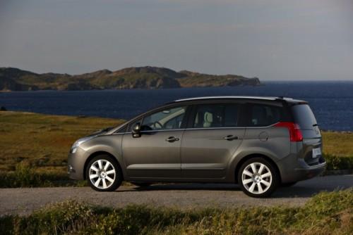 Premiera: Iata noul Peugeot 5008!11591