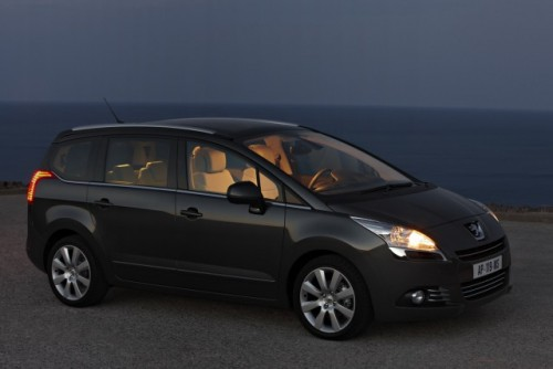 Premiera: Iata noul Peugeot 5008!11593