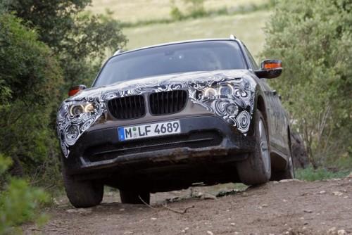 Oficial: Viitorul BMW X1 in versiune camuflata11539