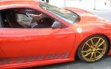 VIDEO: Proprietarul unui Ferrari nu stie sa-si conduca masina11182