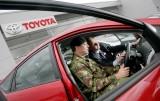 Armata britanica recruteaza 50 de hibride Toyota Prius11103