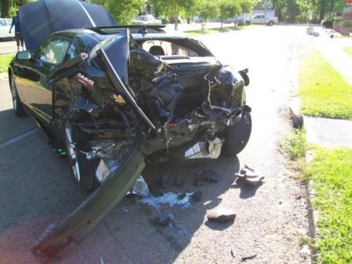 Un Chevrolet Camaro SS nou a fost distrus10773