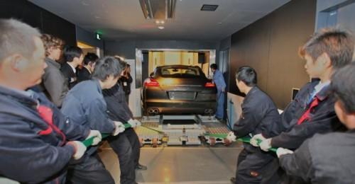 Porsche Panamera in drum spre etajul 9410034