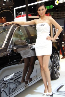 Fetele de la Salonul Auto de la Shanghai9755