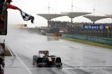 Vettel castiga Marele Premiu al Chinei9649