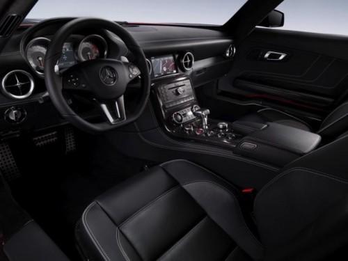 Schite si imagini de interior cu Mercedes SLS 63 AMG9100