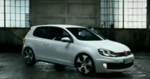 VIDEO: Reclama la VW Golf GTI8874