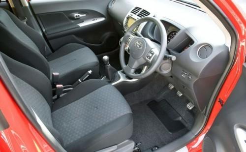 Video si detalii despre noul Toyota Urban Cruiser8800