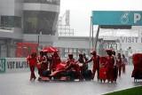 Button castiga in Malaezia in urma opririi cursei din cauza ploii torentiale8735