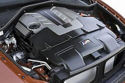 Imagini oficiale cu BMW X6 M8683